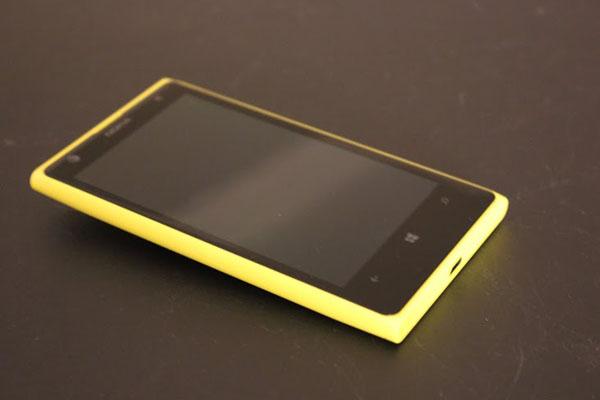 lumia_front2.jpg