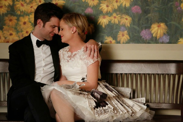 &lt;em&gt;Parks and Recreation&lt;/em&gt; Review: &quot;Leslie and Ben&quot;/&quot;Correspondents' Lunch&quot; (5.14 &amp; 5.15)