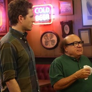"<em>It's Always Sunny in Philadelphia</em> Review: ""The Gang Gets Quarantined"" (Episode 9.07)"