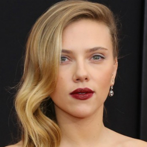 Scarlett Johansson, Reese Witherspoon Vie for Role in Hillary Clinton Biopic