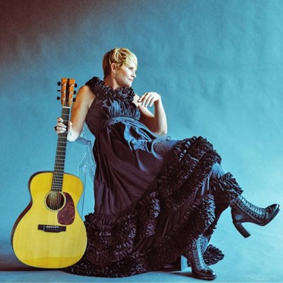 """Video Premiere: Shawn Colvin - """"Hold On"""" (Tom Waits Cover)"""
