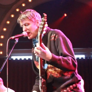 """Watch Stephen Malkmus and the Jicks Cover Taylor Swift's """"Blank Space"""""""