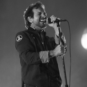 Photos + Review: Pearl Jam - <i>Lightning Bolt</i> Tour