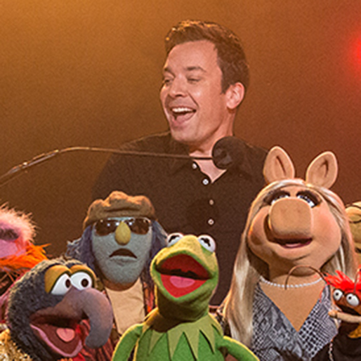"""Watch The Muppets and Jimmy Fallon Sing The Band's """"The Weight"""""""