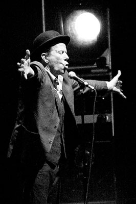 tom_waits_live_bb.jpg
