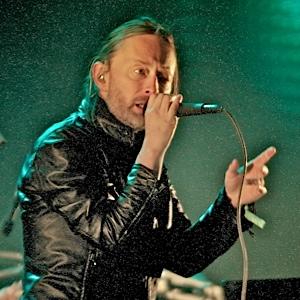 radiohead-coach.jpg