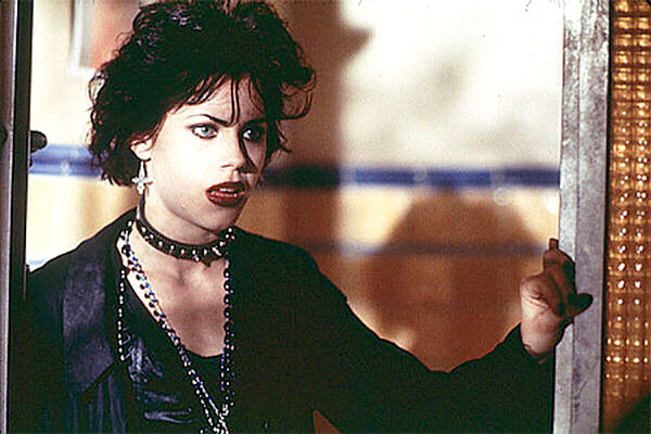 The 10 Best Style Icons From 90s Movies Design Lists