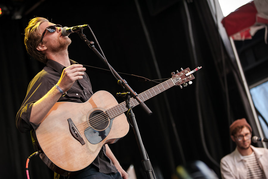 a-day-in-the-life-of-the-lumineers-2 photo_28205_0-7