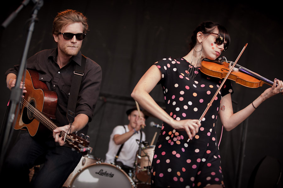 a-day-in-the-life-of-the-lumineers-2 photo_28205_0-9