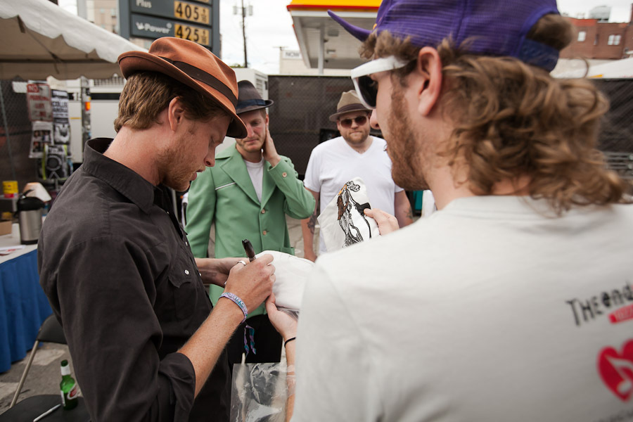 a-day-in-the-life-of-the-lumineers-2 photo_28278_0-7