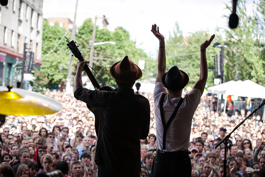 a-day-in-the-life-of-the-lumineers-2 photo_7005_0-13