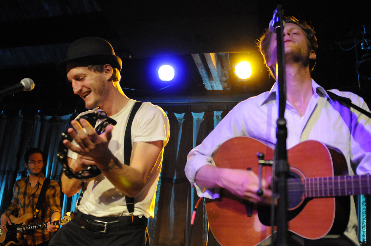 a-day-in-the-life-of-the-lumineers photo_13247_0-4
