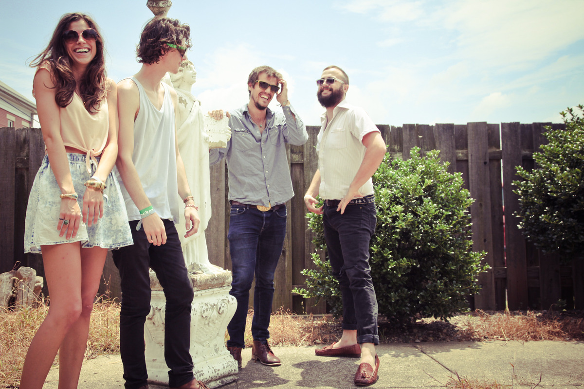 aditlo-houndmouth photo_11707_0-5