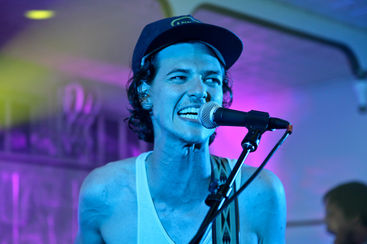 aditlo-houndmouth photo_8535_0-8