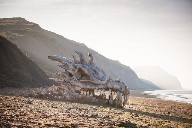 Giant Dragon Skull Promoting <i>Game of Thrones</i> Turns Heads on English Beach