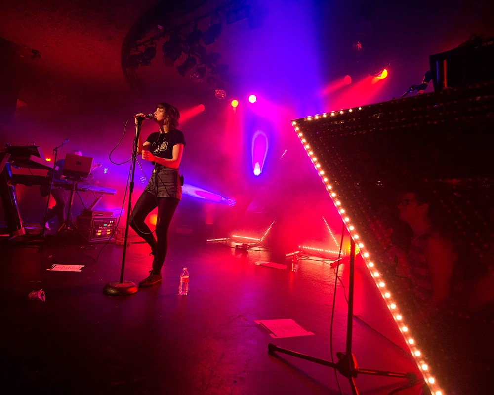 chvrches photo_8374_0-3