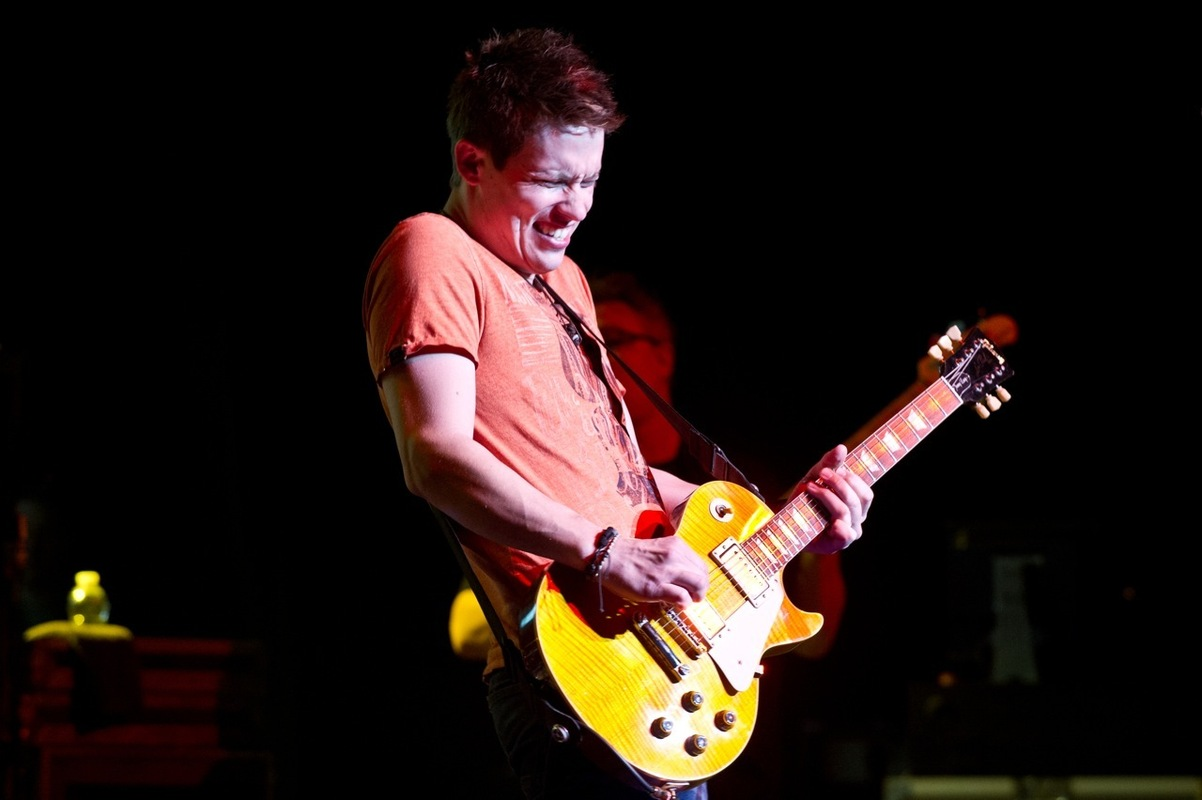 jonny-lang-buddy-guy photo_16315_2-3