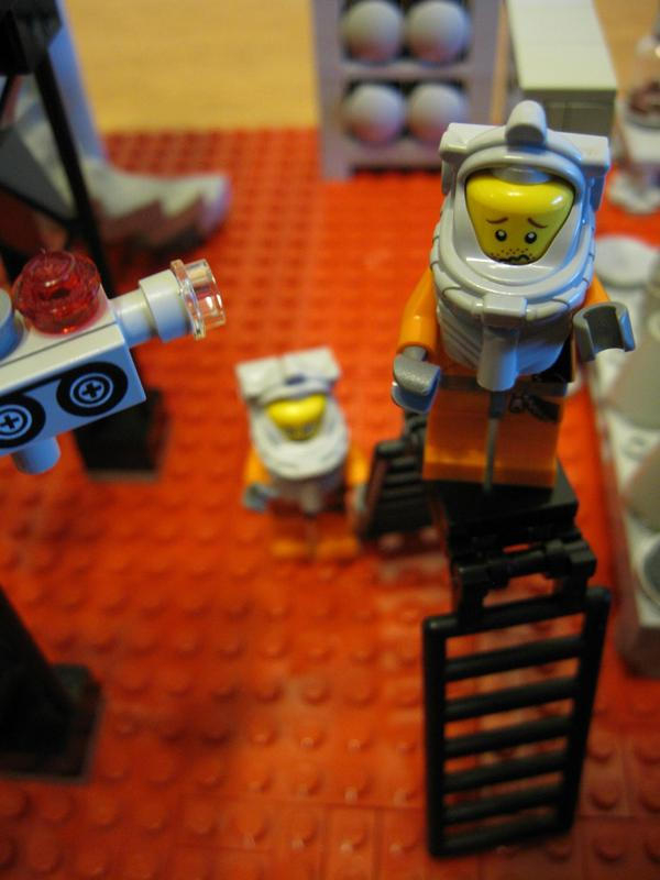 lego-breaking-bad-meth-lab photo_5756_0-2