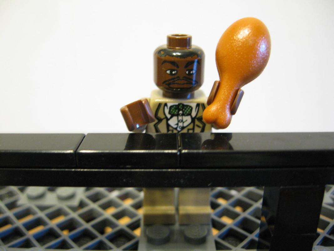 lego-breaking-bad-meth-lab photo_5765_0-2