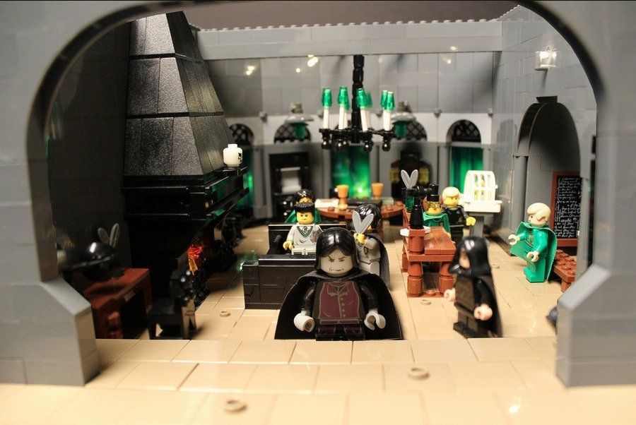 lego-hogwarts-castle photo_26181_2-2