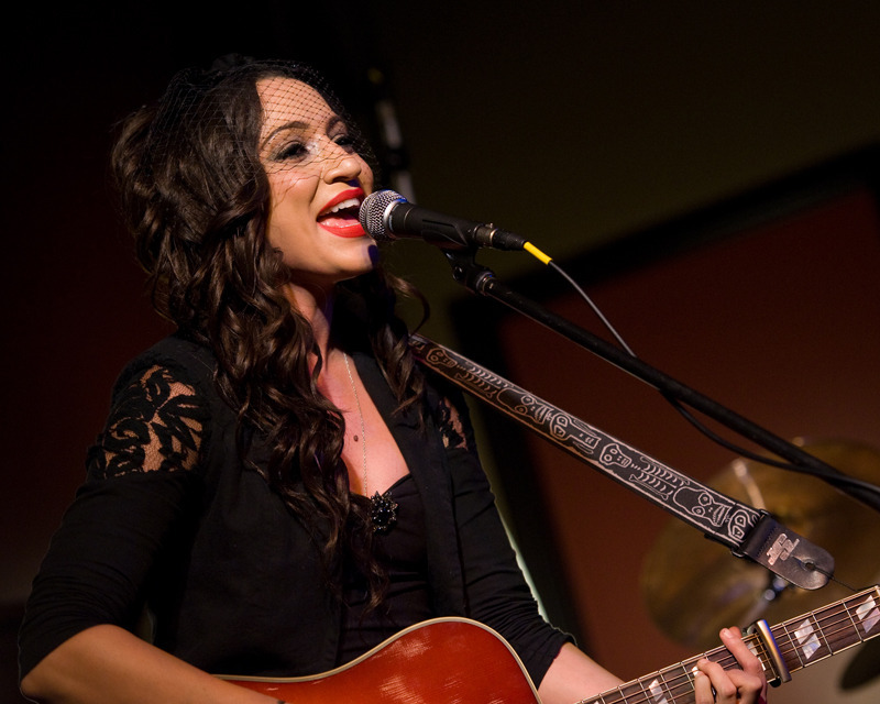 lindi-ortega-seattle photo_20794_0-11
