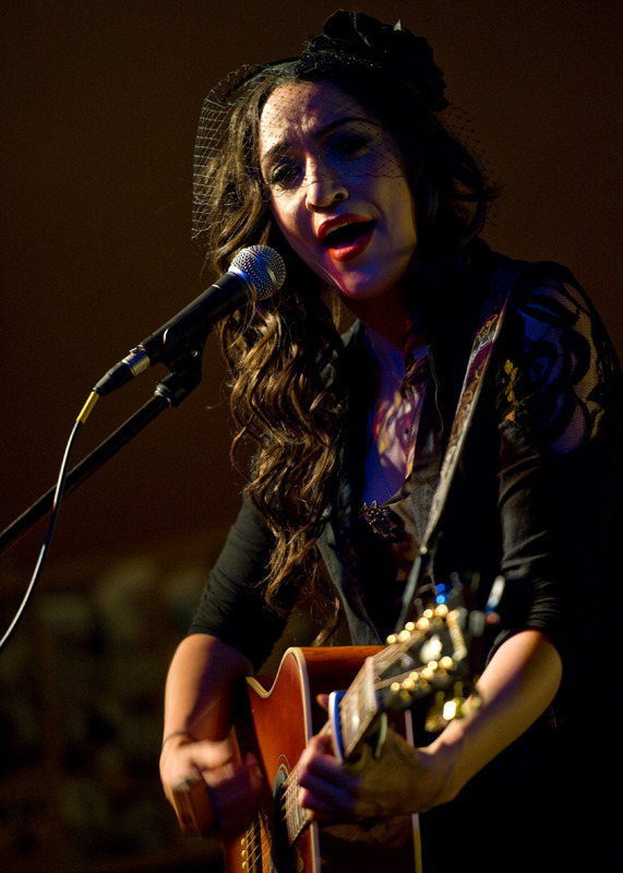 lindi-ortega-seattle photo_20794_0-5