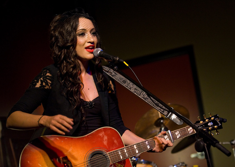 lindi-ortega-seattle photo_20794_0-7