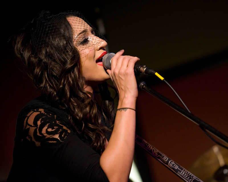 lindi-ortega-seattle photo_20794_0-8