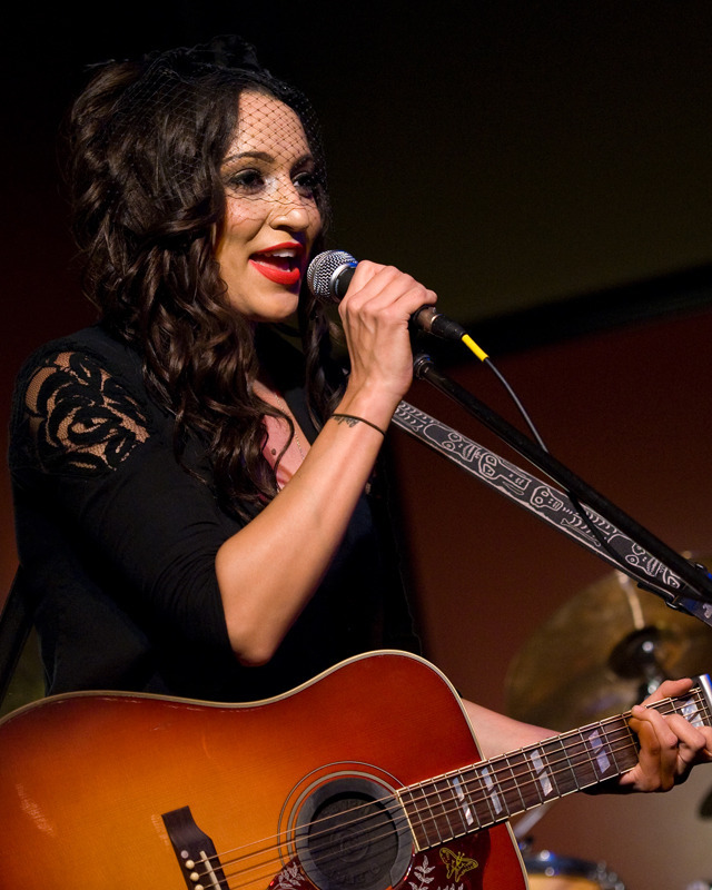 lindi-ortega-seattle photo_20794_0