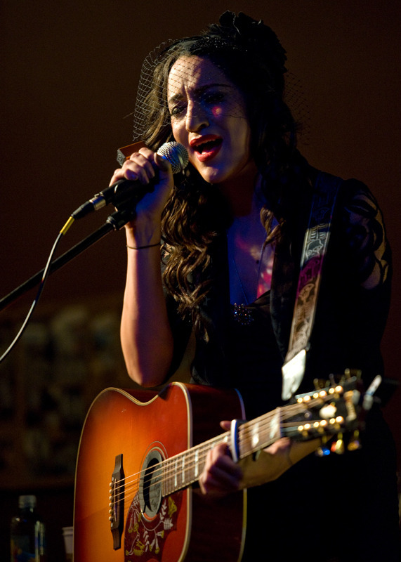 lindi-ortega-seattle photo_20794_1-3