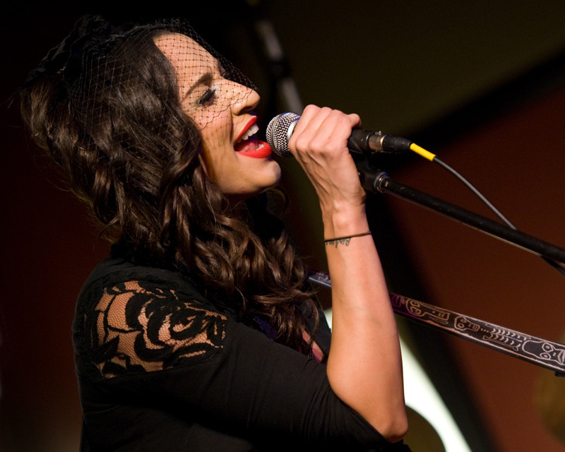 lindi-ortega-seattle photo_20794_1
