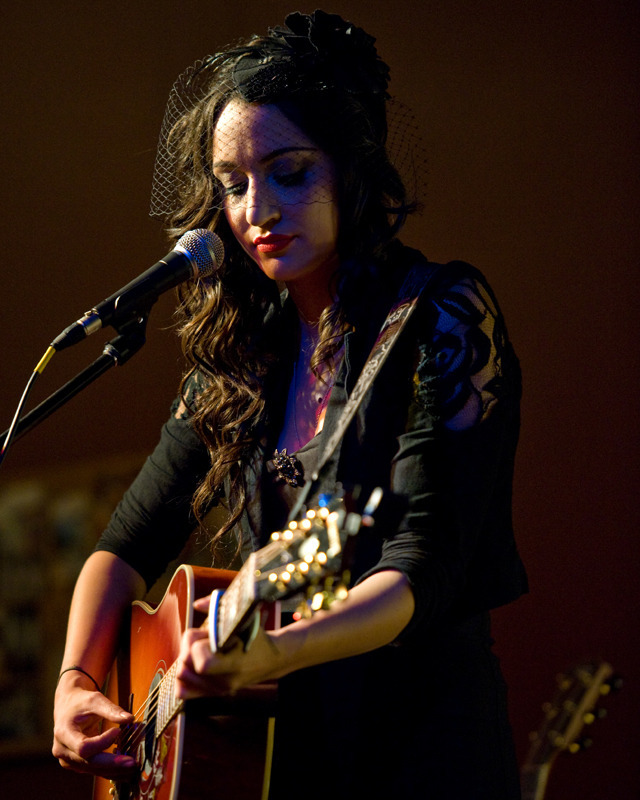 lindi-ortega-seattle photo_20794_2-3