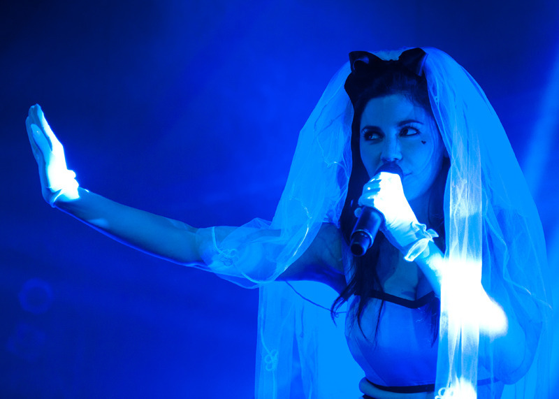 marina-the-diamonds photo_24045_1-2