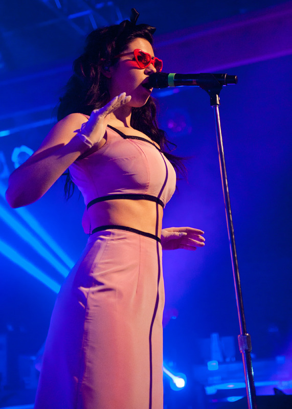 marina-the-diamonds photo_24045_2-2