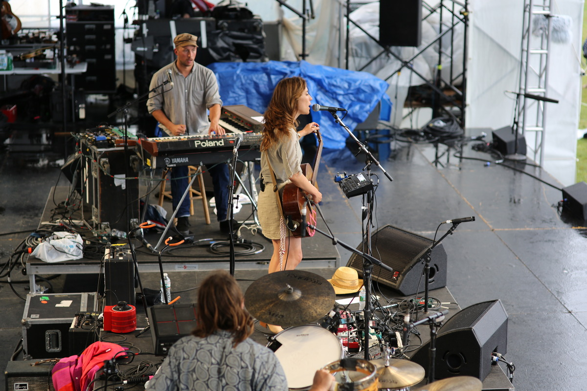 newportfolk photo_20941_0-11
