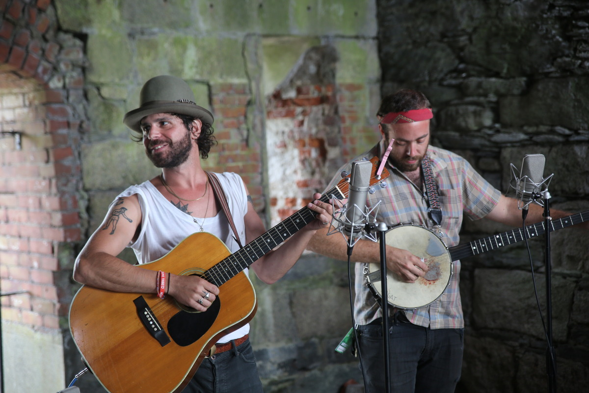 newportfolk photo_20941_0-23