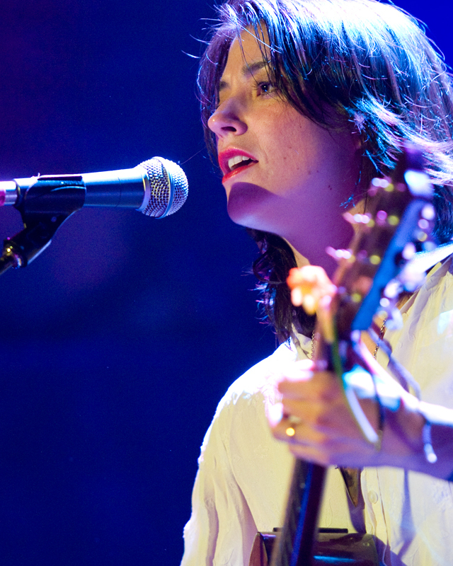 sharon-van-etten-2012 photo_12369_0-4
