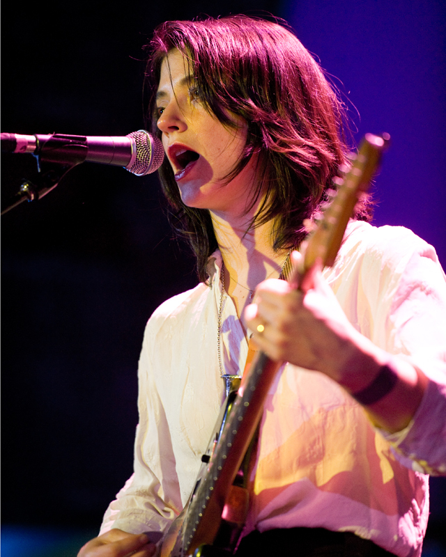 sharon-van-etten-2012 photo_12370_0-2