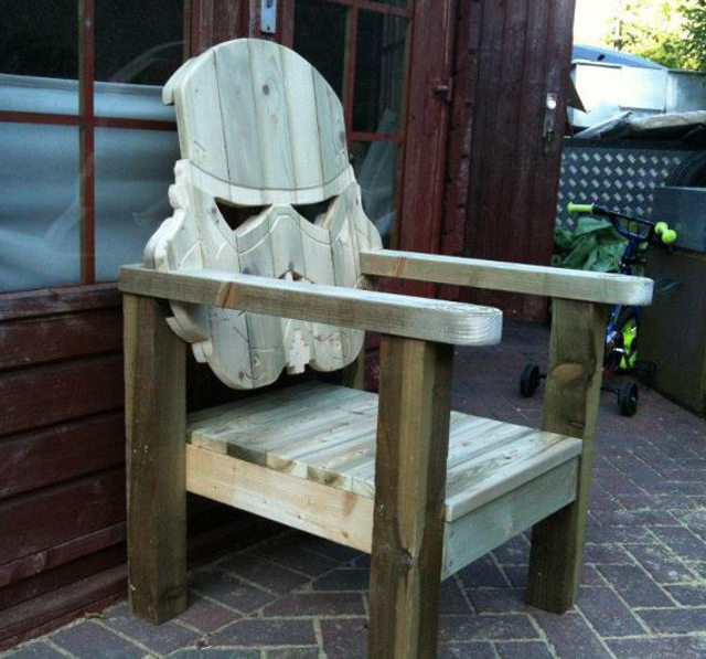 stormtrooper-deck-chair photo_25232_0