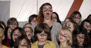 "Watch tUnE-yArDs' New Video for ""My Country"""
