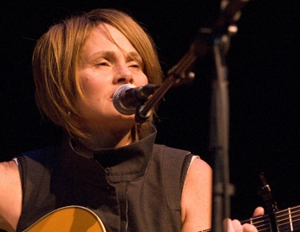 Shawn Colvin Tours, Streams Live Album