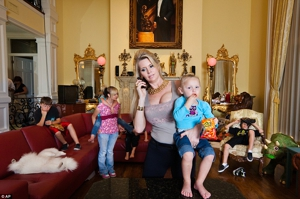 <i>The Queen of Versailles</i>