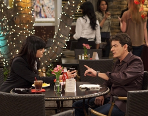 "<i>Anger Management</i> Review: ""Charlie and Kate Battle Over a Patient"" (Episode 1.04)"