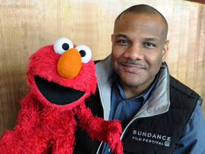 <i>Being Elmo: A Puppeteer's Journey</i>