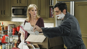 &lt;I&gt;Modern Family&lt;/i&gt; Review: &quot;Lifetime Supply&quot; (Episode 3.11)