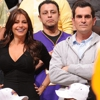 "<em>Modern Family</em> Review: ""Family Portrait"" (1.24)"