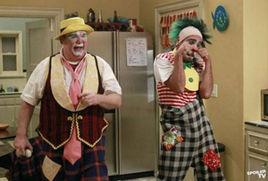 "<i>Modern Family</i> Review: ""Send Out the Clowns"" (Episode 3.18)"
