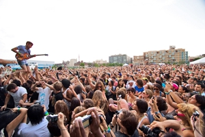 Chromeo, Deerhoof, No Age, Many More to Play Jelly Pool Parties This Summer