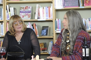 "<i>Portlandia</i> Review: ""Feminist Bookstore 10th Anniversary"" (Episode 2.08)"