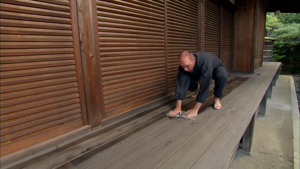 &lt;em&gt;An Idiot Abroad&lt;/em&gt;: &quot;Climb Mount Fuji&quot; (2.7)